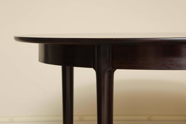 Rosewood Dining Table In Excellent Condition For Sale In New York, NY