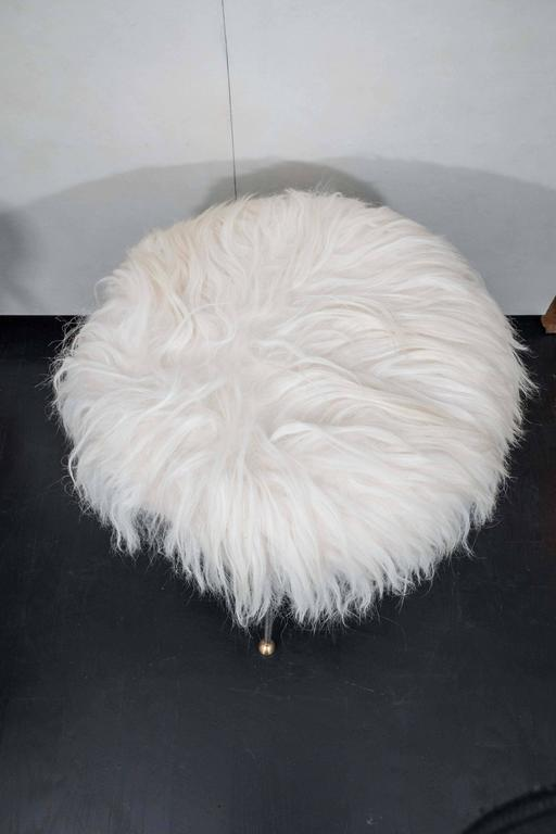 Pair of Vintage Fur Stools In Excellent Condition For Sale In New York, NY