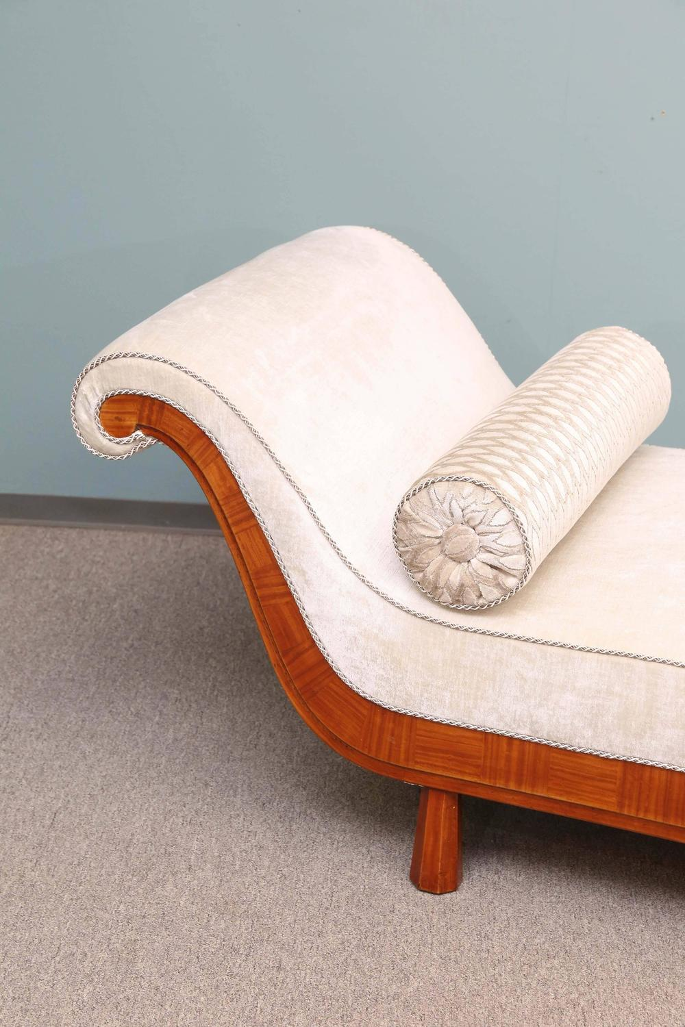 french art deco period recamier chaise longue circa 1920 1930 at 1stdibs. Black Bedroom Furniture Sets. Home Design Ideas