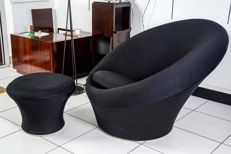 Model Mushroom Chair And Ottoman Designed By Pierre Paulin In 1960 For Artifort Black Fabric