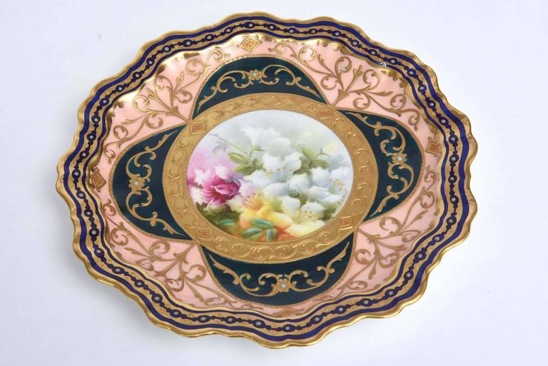 Hand-Crafted Exquisite and Elaborate Cabinet or Display Plates Pair, Fine Art Gilt Encrusted For Sale