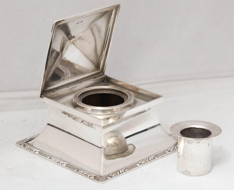 Edwardian Sterling Silver Inkwell In Excellent Condition For Sale In New York, NY