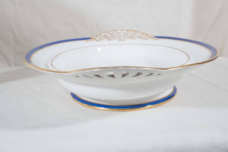 Antique Irish Armorial Dishes with the Arms of the Family of Perceval circa 1870 For Sale 1