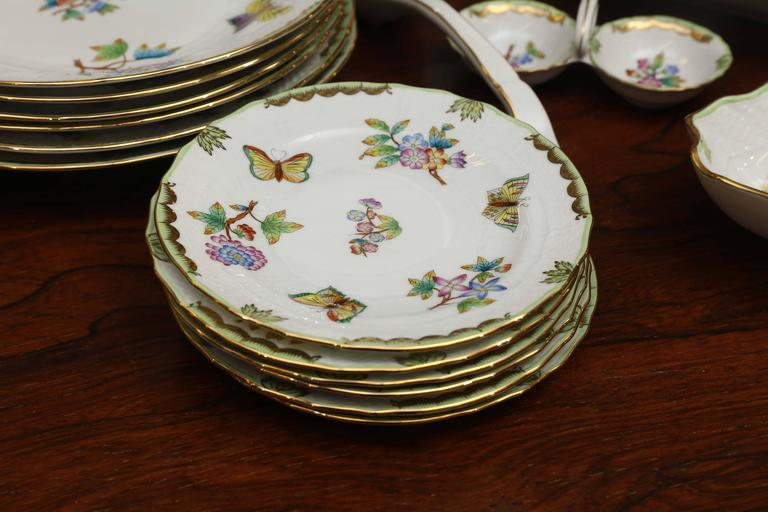 Porcelain Hungarian 26 Pieces Queen Victoria Herend Dinnerware Set For Sale & Hungarian 26 Pieces Queen Victoria Herend Dinnerware Set For Sale at ...