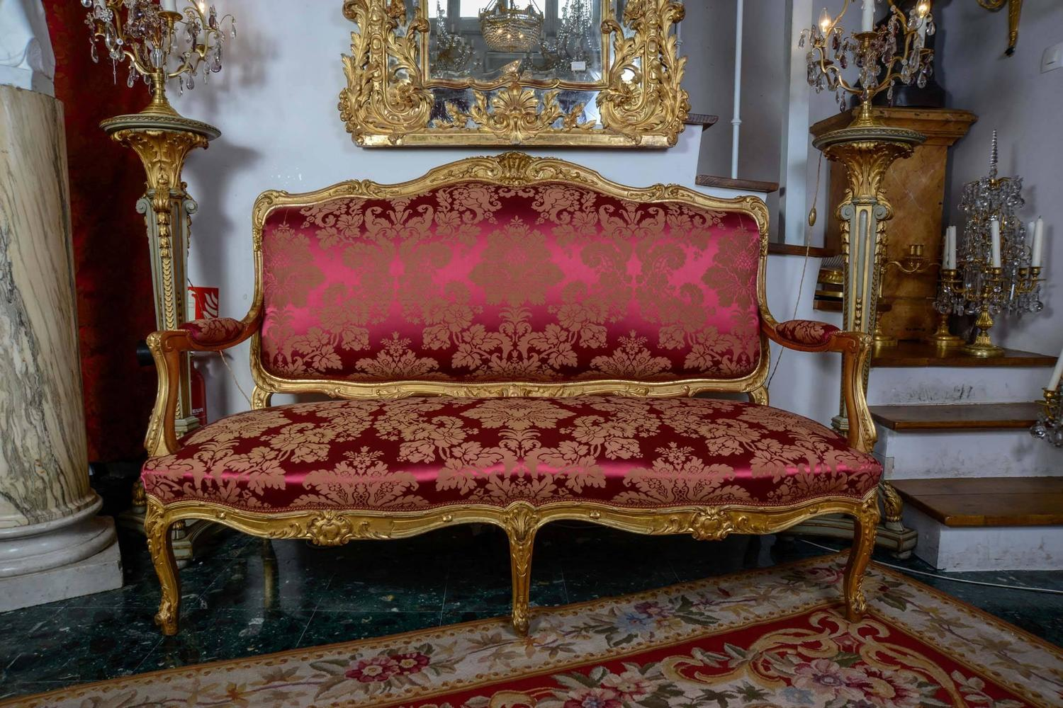 Salon style louis xv five pieces in gilded wood for sale for Salon louis xv