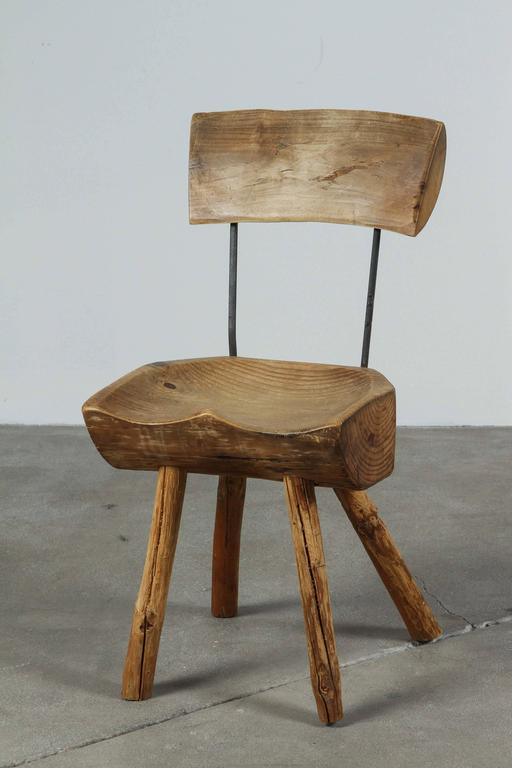 Rustic Log Chair In Distressed Condition For Sale In Los Angeles, CA