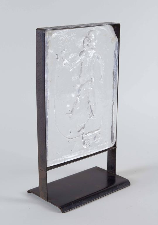Kosta Boda Mounted Art Glass with Child at Play In Good Condition For Sale In New York, NY