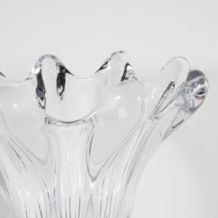 Mid-20th Century Gorgeous Mid-Century Handblown Crystal Vase by Art Vannes in Floriform Design For Sale