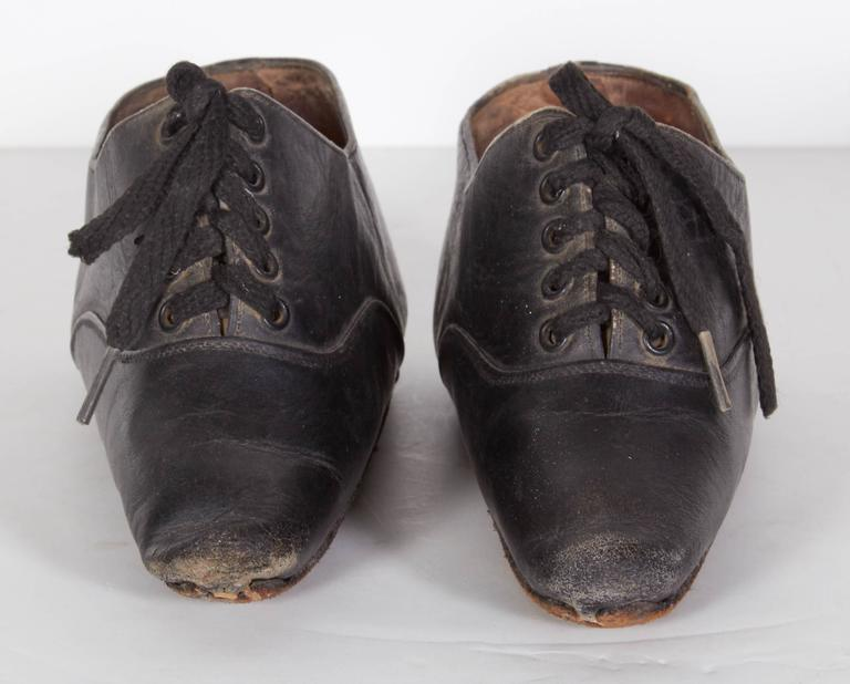 Late 19th Century Tiny 19th Century Chinese Women's Leather Shoes For Sale