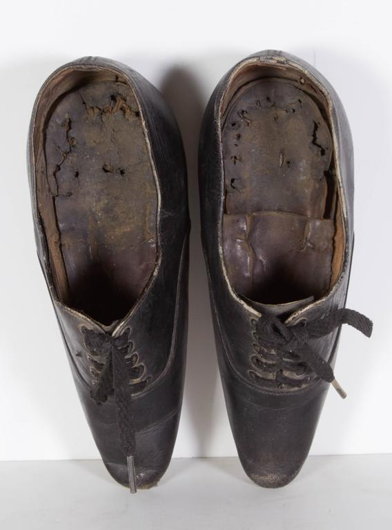 Tiny 19th Century Chinese Women's Leather Shoes For Sale 3