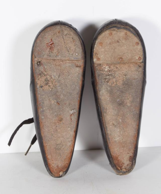 Tiny 19th Century Chinese Women's Leather Shoes For Sale 4