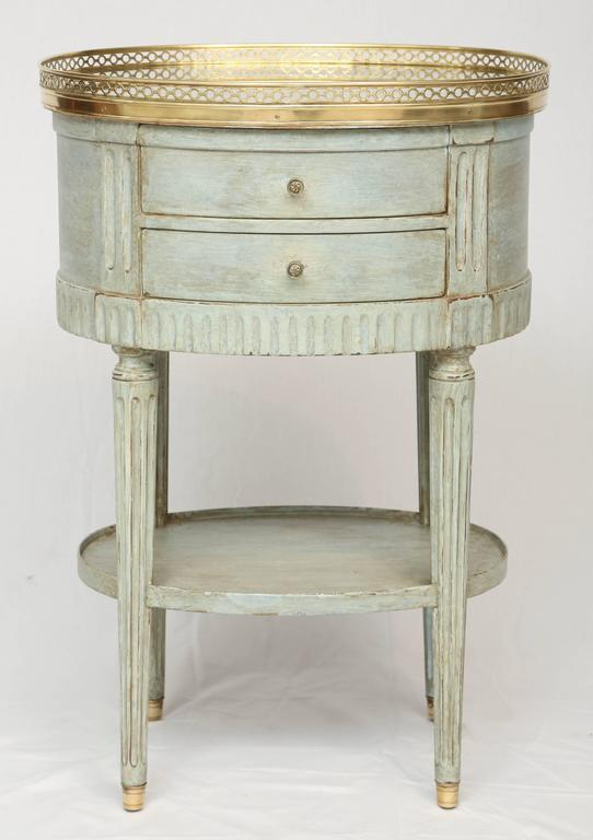 Mirror And Painted Bedside Table: Oval French Commode With Mirrored Top For Sale At 1stdibs