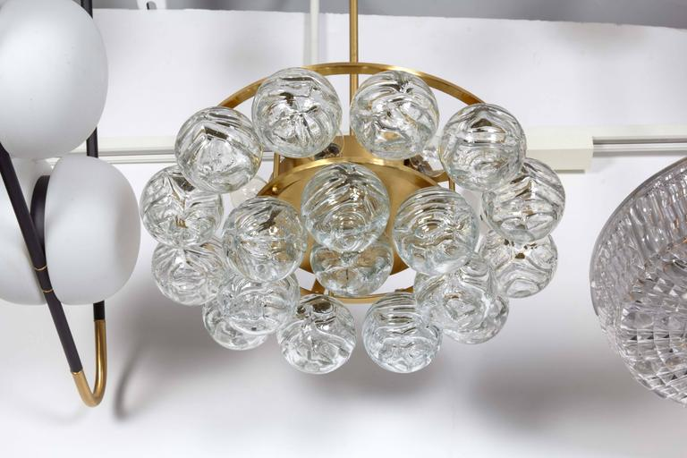 Doria Glass Sphere Pendant Chandelier In Excellent Condition For Sale In New York, NY
