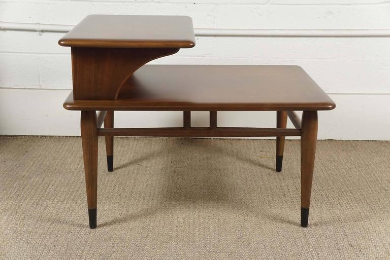 Late 20th Century Pair of Lane Two-Tiered End Tables in Walnut For Sale