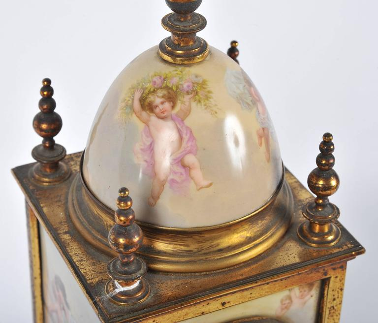 19th Century Mantel Clock In Good Condition For Sale In Brighton, Sussex