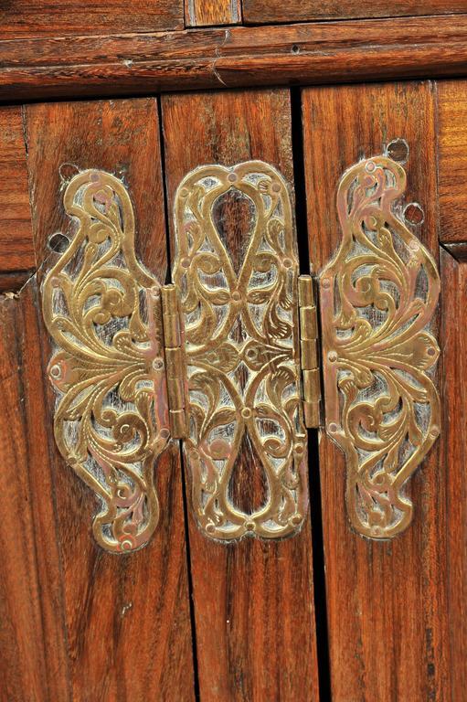 19th Century Ceylonese Padouk Wood Dresser For Sale 3