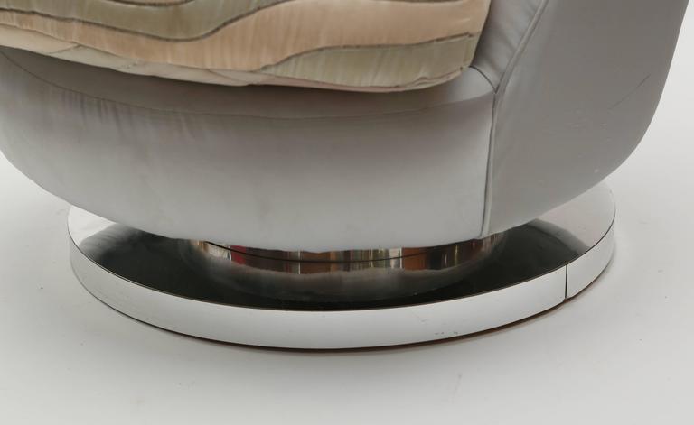 Mid-20th Century Milo Baughman Chrome Based Swivel Lounge Chair, 1960s, USA For Sale