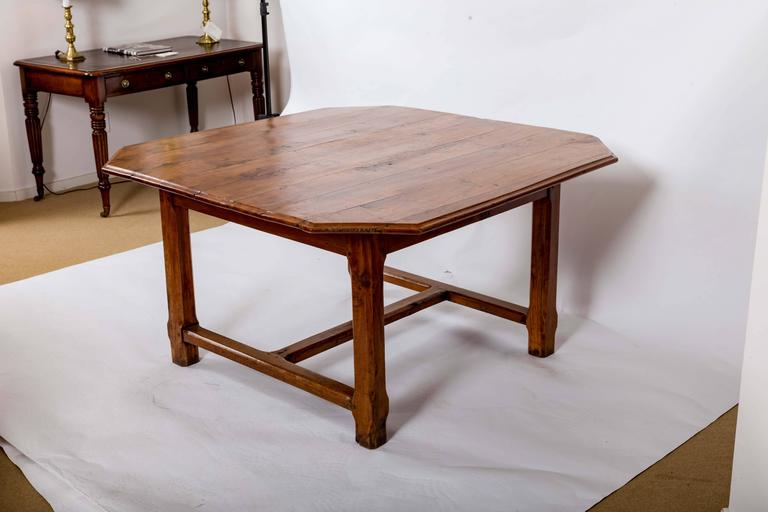 Early 19th Century Cherrywood Dining Table, France, circa 1840 For Sale 2