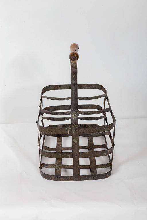 Turn-of-the-Century Metal Bottle Carrier, France, circa 1900 For Sale 1