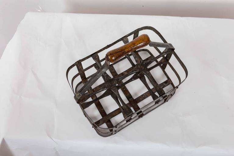 Turn-of-the-Century Metal Bottle Carrier, France, circa 1900 For Sale 4