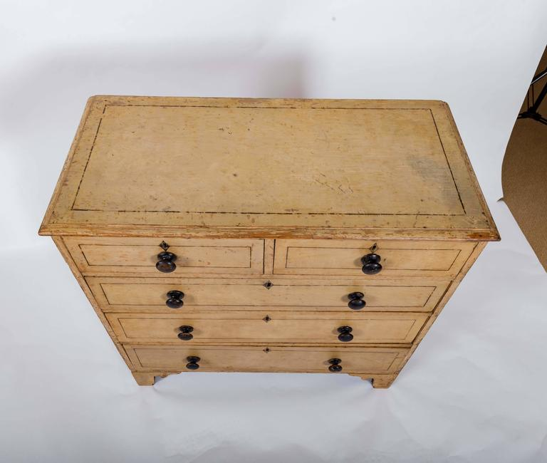 Early 19th Century Painted Chest of Drawers, England, circa 1840 For Sale 2