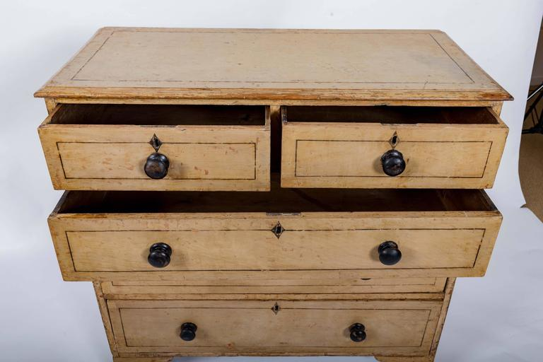 Early 19th Century Painted Chest of Drawers, England, circa 1840 For Sale 4