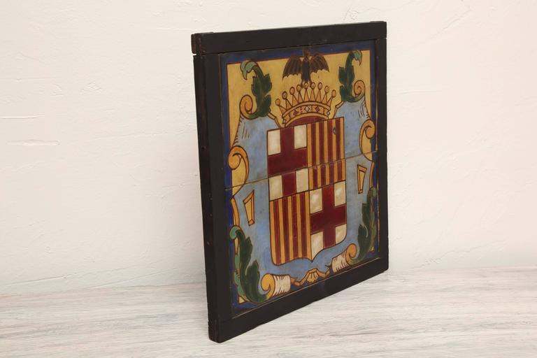 Pair of Framed Antique Armorial Crest Tiles In Good Condition For Sale In West Palm Beach, FL