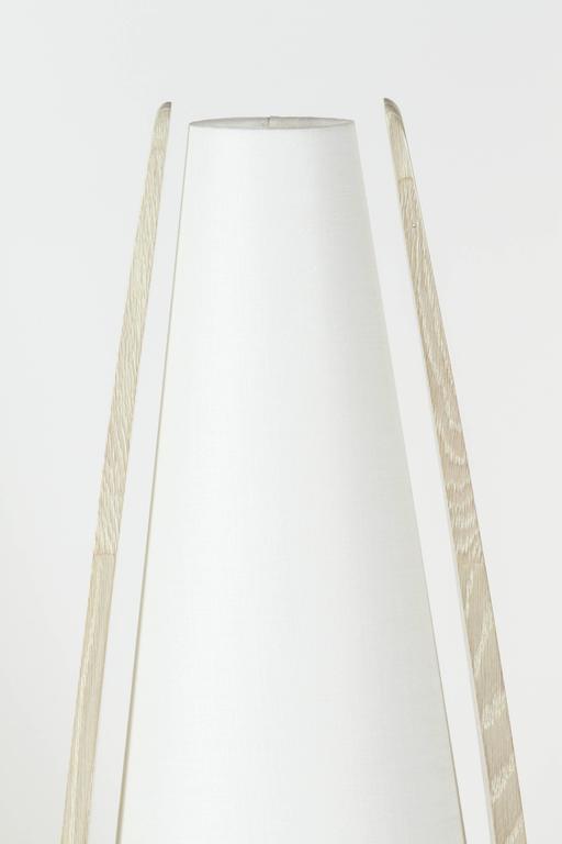 Wishbone Table Lamp in Gray Ceruse Oak 3