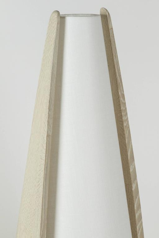 Wishbone Table Lamp in Gray Ceruse Oak In Excellent Condition For Sale In Los Angeles, CA