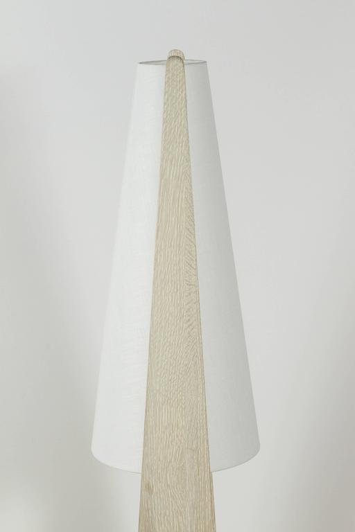 Brass Wishbone Table Lamp in Gray Ceruse Oak For Sale