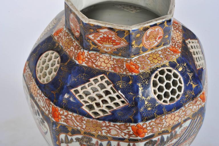 Hand-Painted Large 19th Century Japanese Imari Vase For Sale