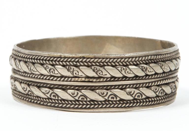 Moroccan Berber Tribal Bracelet In Good Condition For Sale In Los Angeles, CA