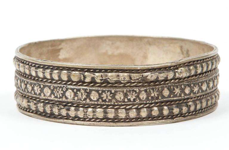 Hand-Crafted Moroccan Berber Tribal Silver Bracelet For Sale