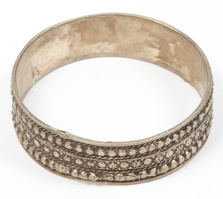 20th Century Moroccan Berber Tribal Silver Bracelet For Sale