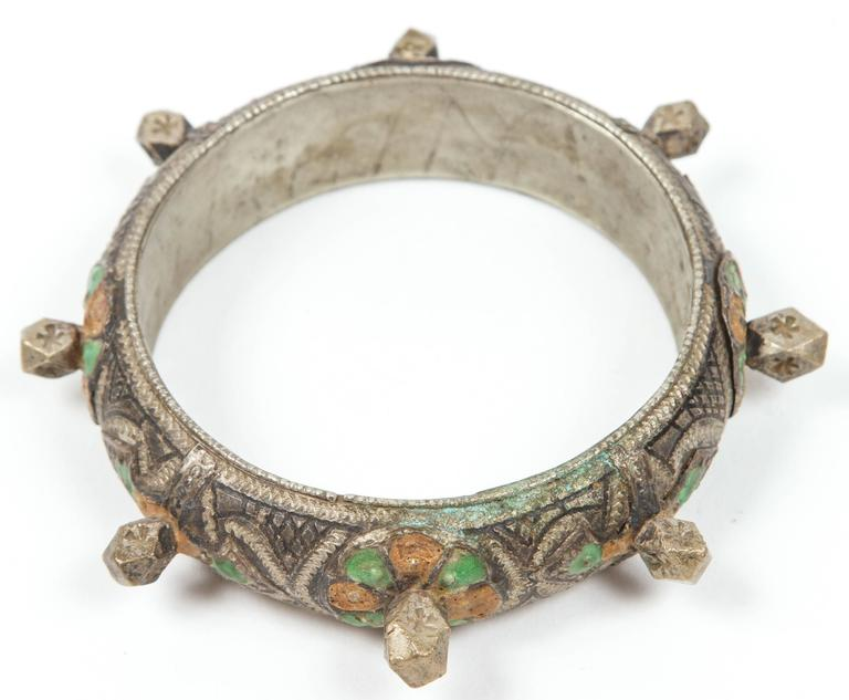 Moroccan Berber Silver Bracelet with Green and Orange Enamel In Good Condition For Sale In Los Angeles, CA