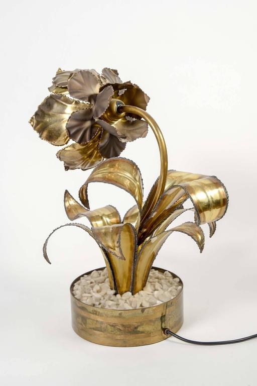 Rare Pair of Vintage Flower Table Lamps by Maison Jansen In Good Condition For Sale In Saint-Ouen, IDF