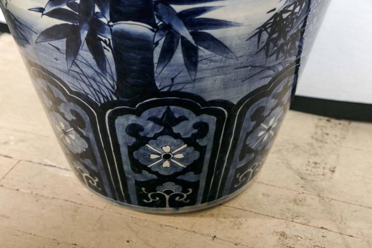 Japanese Blue and White Porcelain Floor Vase For Sale 3