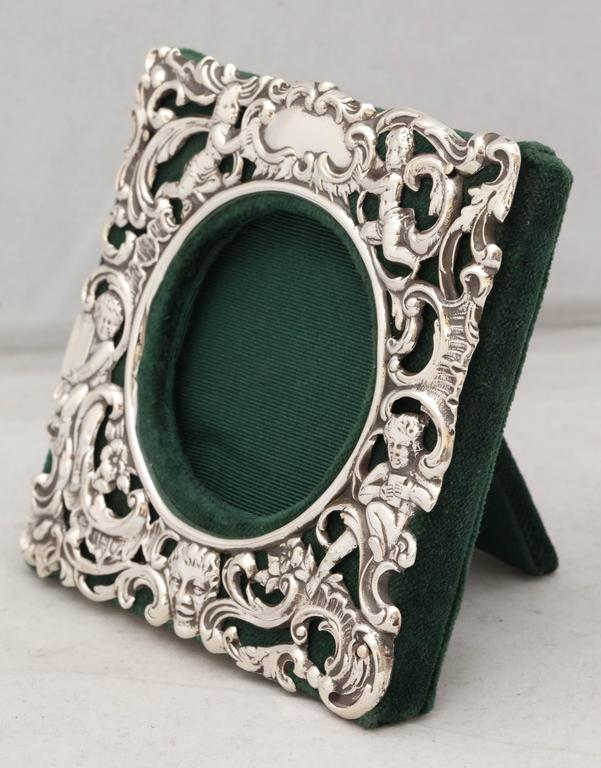 Early 20th Century Victorian Sterling Silver William Comyns Picture Frame For Sale