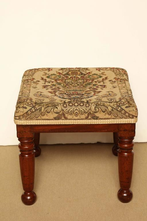 Mid-19th Century English, Mahogany Stool In Good Condition For Sale In New York, NY