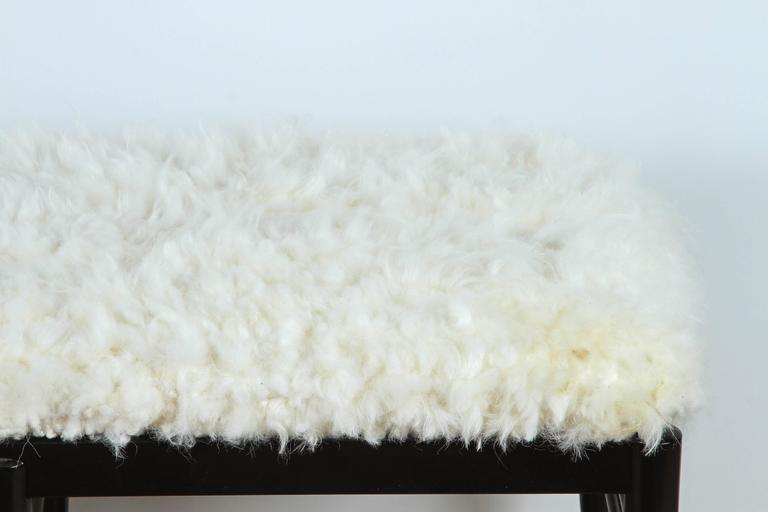 Mid-Century Modern Gio Ponti Inspired Bench in Natural Sheepskin For Sale