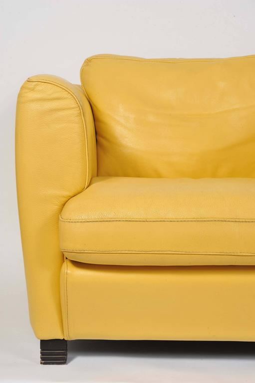 Gentil Pair Of French 1960s Cream/Yellow Leather Club Chairs In Excellent  Condition For Sale In