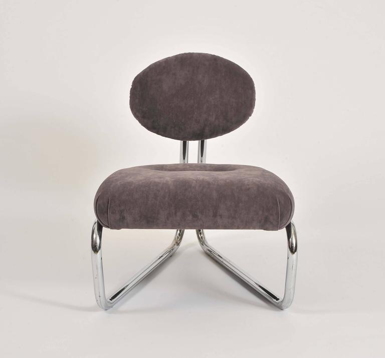 Italian lounge chairs, circa 1970. Tubular chrome frame soft fabric upholstery. Re-upholstered.