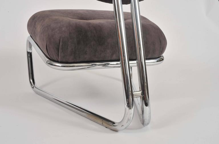 Italian Lounge Chair In Excellent Condition For Sale In London, GB