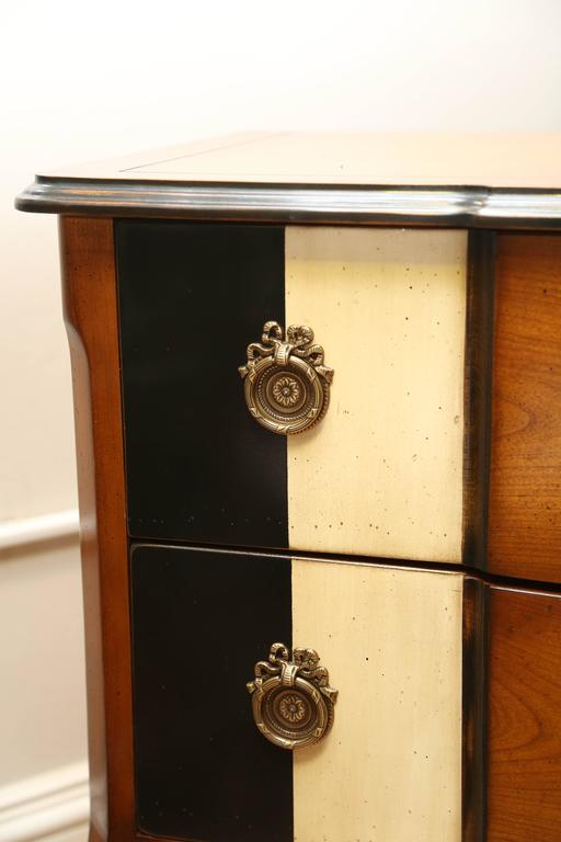 Louis XV Style Chest of Drawers In Good Condition For Sale In West Palm Beach, FL
