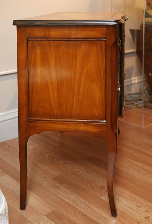 Louis XV Style Chest of Drawers For Sale 1