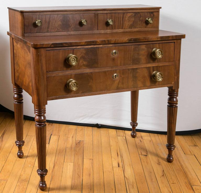 English Regency Chest of Drawers In Excellent Condition For Sale In Mt Kisco, NY