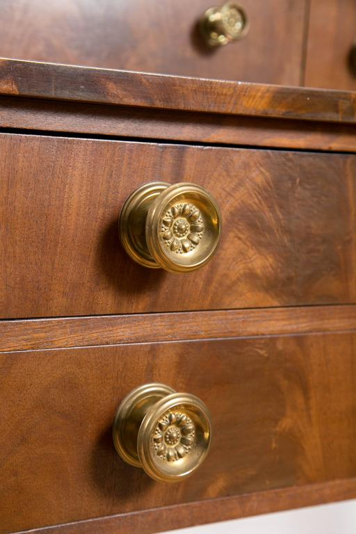 Mahogany English Regency Chest of Drawers For Sale
