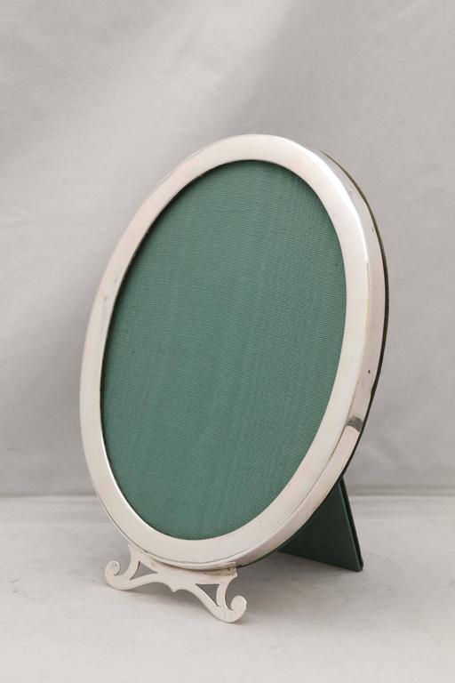 Art Nouveau Sterling Silver Oval Picture Frame For Sale 4