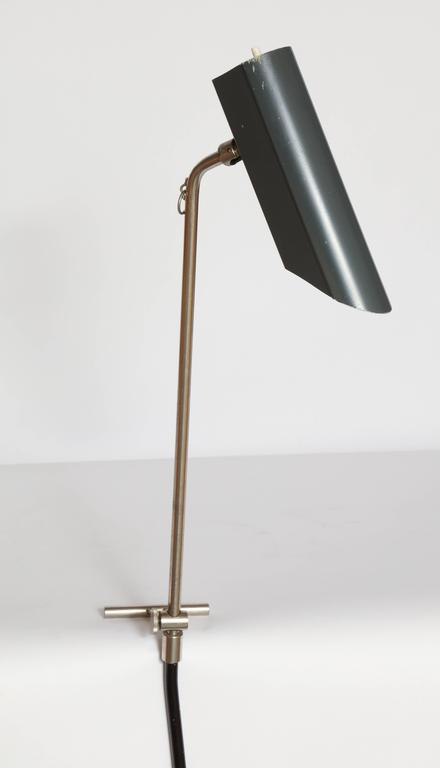 Mid-Century Modern Articulated Counter Balance Table Lamp Sits on Edge of Table, France, 1950s For Sale