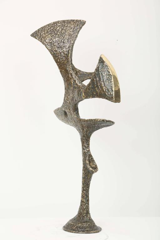 Unique piece, abstract bronze sculpture, contrasts between the green wrought patina and the bright polished bronze. Well balanced Mid-Century design, perfect proportions. Signed piece.